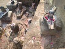 Shivalingams på ghaaten av Varanasi Fotografering för Bildbyråer