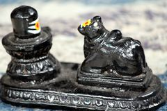 Shivling e Nandi Status imagem de stock