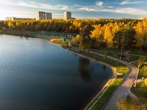 Shkolnoe sjö i Zelenograd av Moskva, Ryssland arkivbild