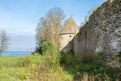 Shlisselburg Schlà ¼ sselburg堡垒,秋天晚上,墙壁 免版税库存图片