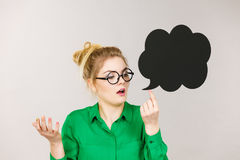 Shocked business woman with thinking bubble Royalty Free Stock Photos