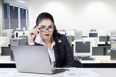 Shocked indian worker in office Royalty Free Stock Images