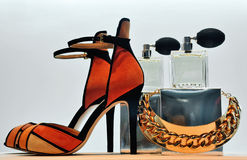 Shoe  jewelry and perfume. Fashionable shoe with jewelry and perfume Stock Photos