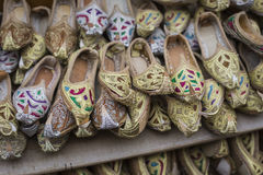 Shoes in arabian style, market of Dubai Royalty Free Stock Photos