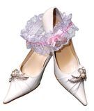 Shoes for bride Royalty Free Stock Photos