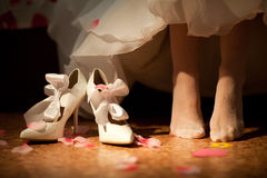 Shoes of bride Royalty Free Stock Photo
