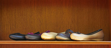 Shoes on display in shop Royalty Free Stock Photos