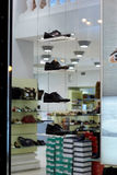 Shoes store window Royalty Free Stock Photos