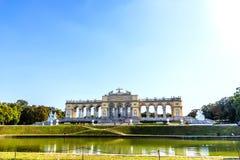 Shonbrunn Gloriette nel parco famoso di Vienna, Austria fotografia stock libera da diritti