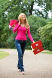 Shooping woman walking Royalty Free Stock Photography