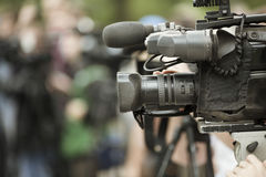Shooting de las noticias imagen de archivo