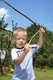 Shooting joven del muchacho foto de archivo libre de regalías