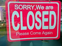 Shop closed sign. Closed sign at the door of a shop Royalty Free Stock Photos