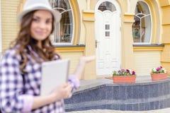 Shop-Speicherkonzept des Abkommenvertragsgeselligen menschen Schließen Sie herauf portrai lizenzfreie stockbilder