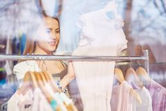 Shopaholic in boutique Royalty Free Stock Photography