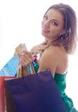 shopaholic shoppingkvinna Arkivbilder