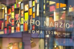 Shopfenster Campos Marzio stockbild