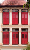 Shophouse Windows, Singapur Imagenes de archivo