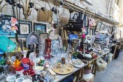 Shoppa av begagnade objekt och antikviteter i Siracusa, Sicilien, det Fotografering för Bildbyråer