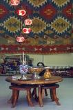 Shoppa av orientaliska mattor Royaltyfria Bilder
