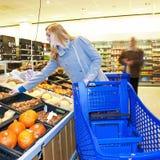 shoppa för livsmedel Royaltyfri Foto