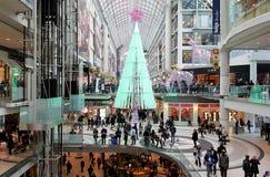 Shoppa för Toronto Eaton mittjul Arkivbilder