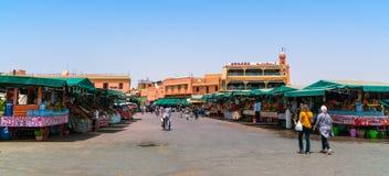 Shoppa för turister och för lokaler Royaltyfri Fotografi