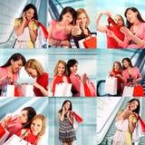 Shoppa för två kvinnor Royaltyfri Fotografi