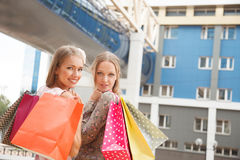 Shoppa för vänner Royaltyfria Foton