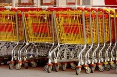 shoppa för vagnar Arkivfoton