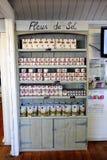 Shoppa företaget salthaltiga Aigues-Mortes i Camargue Royaltyfria Bilder