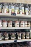 Shoppa företagssaltdammet Aigues-Mortes Royaltyfri Bild