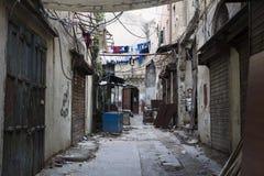 Shoppa gatan i Tripoli, Libanon Arkivfoton