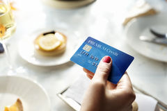Shoppa online-betalning shoppa kreditkortbegreppet Royaltyfria Bilder