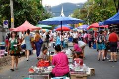 Söndagen marknadsför i Chiang Mai Arkivfoton