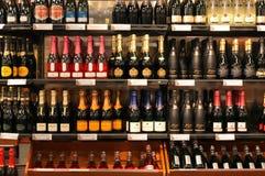 shoppa wine Arkivbild