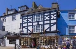 Shoppar den mellersta gatan Brixham Torbay Devon Endland UK Fotografering för Bildbyråer