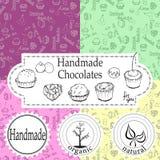 Shoppar handgjorda choklader för vektorn som förpackar mallar och designbeståndsdelar för godis - papp med emblem och logoer och  royaltyfria foton