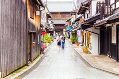 Shoppar vägen Daitsu-Ji för den buddistiska templet Nagahama H Arkivfoto