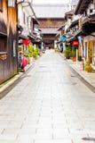Shoppar vägen Daitsu-Ji för den buddistiska templet Nagahama V Royaltyfria Foton