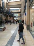 Shoppare i Cambridge Royaltyfria Bilder