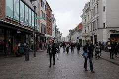 SHOPPARE I FLENSBURG-TYSKLAND royaltyfri foto
