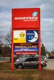 Shopparedrog Mart Sign Royaltyfri Foto