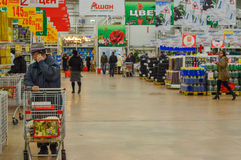 Shoppers in a supermarket  Stock Photography