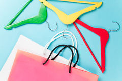 Shopping bags and hangers Royalty Free Stock Photos