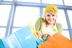 Shopping caucasian girl Royalty Free Stock Images