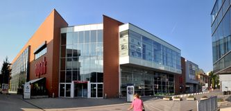 Shopping de Aupark - Zilina Eslováquia imagem de stock royalty free