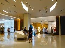 Shopping do modelo em Banguecoque, Tailândia Fotos de Stock