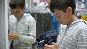 Shopping för barn` s Lager för barn lager videofilmer