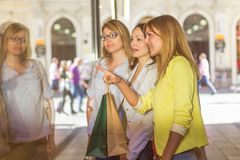 Shopping Girlfriends Royalty Free Stock Images